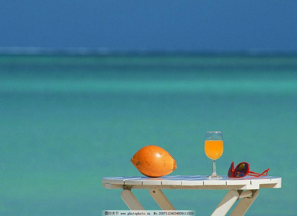 海边5 大海 蓝天 桌子 水果 自然景观 自然风景 海边风景 摄影图库