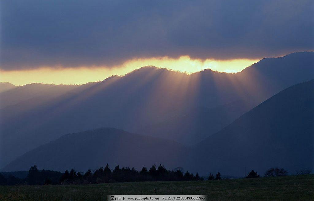 罗川彩云的风景